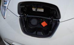 La AVI apoya el desarrollo de un sistema doméstico de carga rápida para vehículos eléctricos que permite devolver a la red la energía almacenada